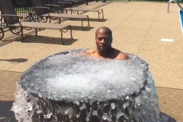 james-harrison-als-ice-bucket-challenge.png