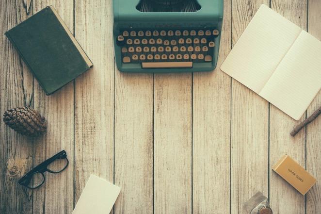 typewriter-801921_960_720.jpg
